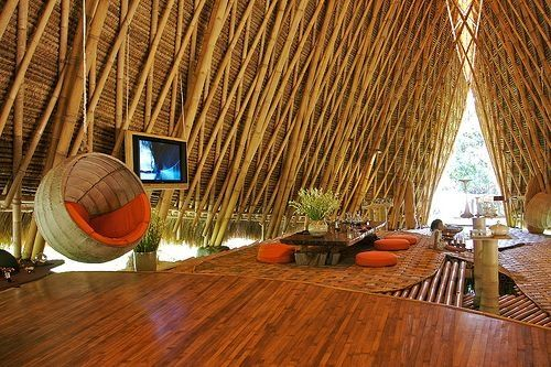Bamboo luxury tree house retreat.:
