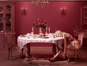 Dina Goldstein   Photography   Galeria de Arte AFK