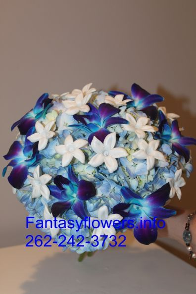 Bridal bouquet by Fantasy Flowers 262-2242-3732 Thiensville WI