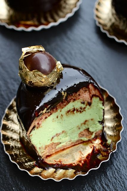 pistachio cakes chocolate pistachio and more pistachios mousse cake ...