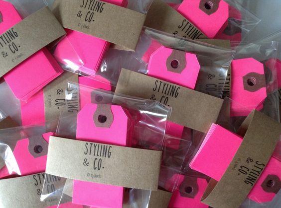 New Arrival   Styling & Co. Label  We hebben weer een vrolijk nieuw item, onze Styling & Co. Neon Pink labels!! Leuk om een hip cadeautje in te pakken of ter decoratie zoals bijv. op een magnetische muur.  http://www.stylingandco.com/c-2362205/stationery/