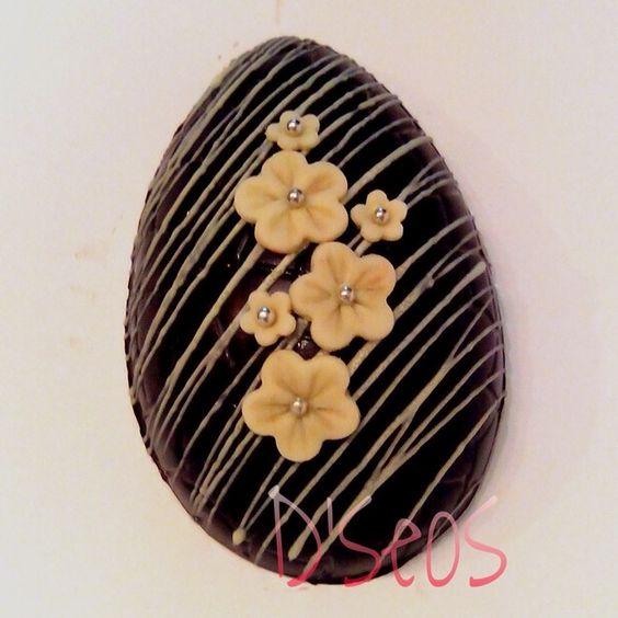 Easter egg, chocolate egg, ovo de chocolate