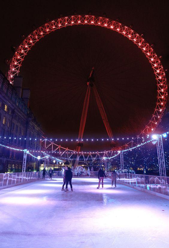ロンドンアイのスケート場の画像