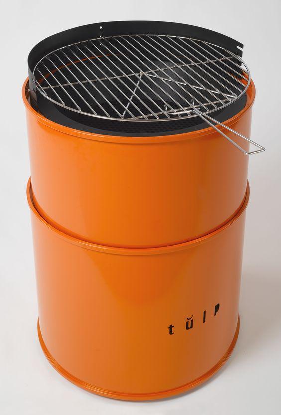 Het ontwerp van de vuurkorf barrel is geinspireerd op een olievat en is ontsproten aan het - Barbecue ontwerp ...