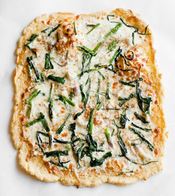 Triple garlic pizza.