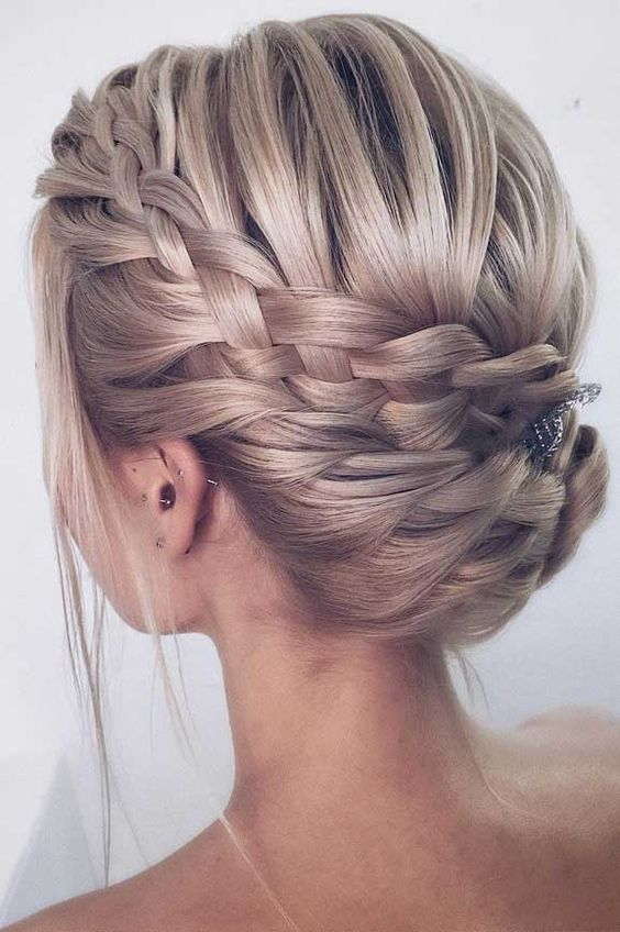 10 Best Ideas About Short Updos Hairstyles Shortupdohairstyles If You Love Short Updos Hairstyles For Mor Hair Styles Wedding Hairstyles Updo Long Hair Styles