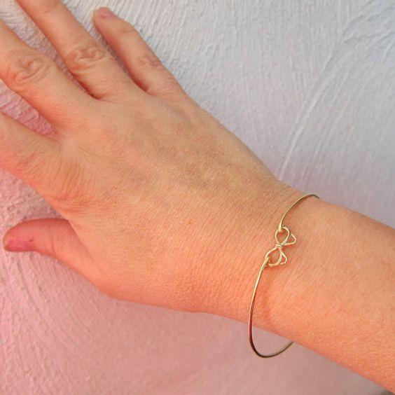 Gold Bow Bracelet Bow Bangle Bracelet Bridesmaid  #jewelry #bijoux #bracelet #necklace #collier #bracelet #bijouxcreateur