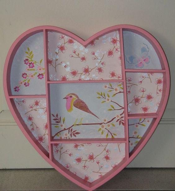 Leuke letterbak voor op een sfeervolle pip kamer de roze letterbak is gemaakt van mdf en - Hoe een studio van m te voorzien ...