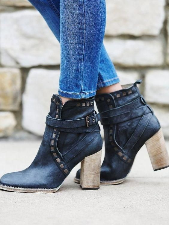 Free People Heirloom Heel Sz 40 In Black ~ Distressed ~ New In Box ~ Boots. Get the must-have boots of this season! These Free People Heirloom Heel Sz 40 In Black ~ Distressed ~ New In Box ~ Boots are a top 10 member favorite on Tradesy. Save on yours before they're sold out!