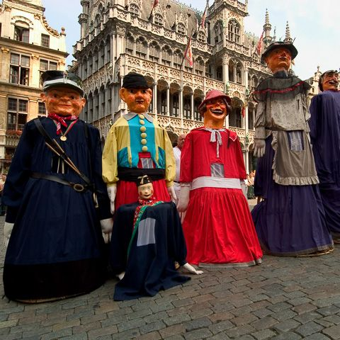 The Planting of the Meyboom - Folklore & traditions in Brussels