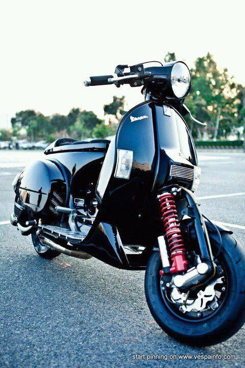 black Racing Vespa.#jorgenca