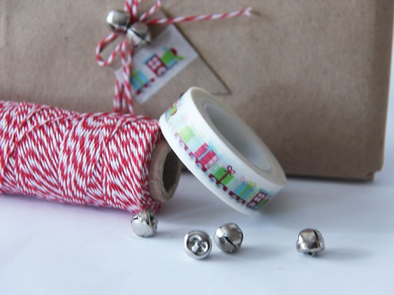 Washi tape de trenes para un packaging infantil | Handbox Craft Lovers | Comunidad DIY, Tutoriales DIY, Kits DIY