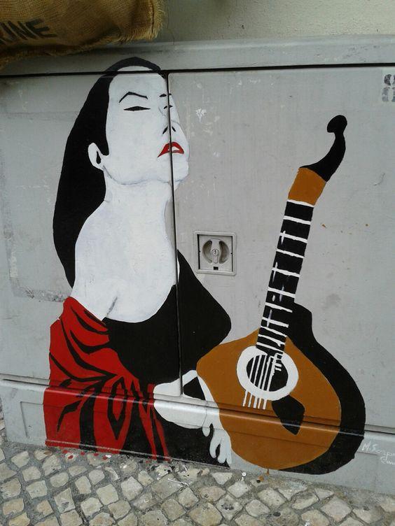 Rua do Paraíso, Alfama. Fado (Lisboa, Portugal)