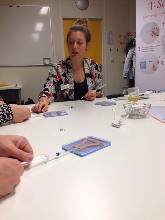 Op 4 februari 2015 vond de eerste DOKh geaccrediteerde IUD training van het jaar plaats in Alkmaar. Het #TSafe team was hierbij aanwezig om instructie te geven over het plaatsen van de T-Safe anticonceptiespiraal.