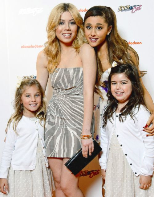 Sam and cat (Jennette Mccurdy and Ariana Grande) with Sophia Grace and Rosie