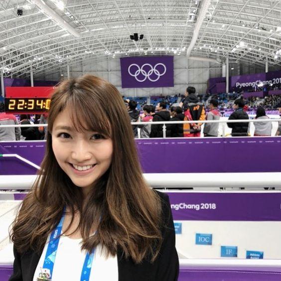 スピードスケートの男女マススタートのJCインタビューを担当した三田友梨佳アナの画像