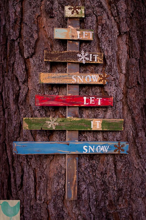 Let It Snow Rustic Christmas tree Pallet Art. #pallet
