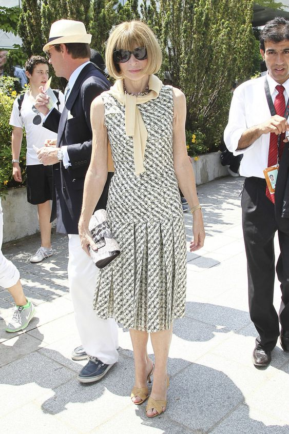 Anna Wintour Photos - Vogue Editor in Chief Anna Wintour turns out to watch the men's final at the 2011 French Open held at the Stade Roland-Garros in Paris. Rafael Nadal beat Roger Federer in a four set match to win the title for the sixth time. - End of the 2011 French Open