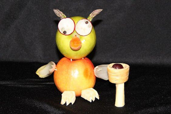 Vegetable Sculpture: Veggie Owl  Kitchen Window - Knife Fest 2010.  www.kitchenwindow.com