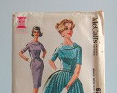 1940s dress pattern / 40s vintage Simplicity 2361 dress with fitted bodice & full circle skirt ... sz 14/32