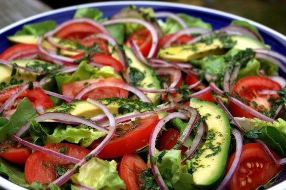Receta de ensalada mixta con aderezo de limón y cilantro