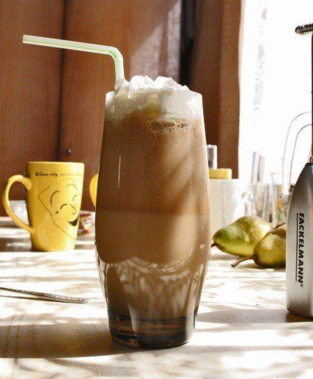 El café Frappe es una deliciosa opción para este verano que ya pronto comienza. Con todo el sabor de café pero frío (ideal para las tardes de verano). Hoy