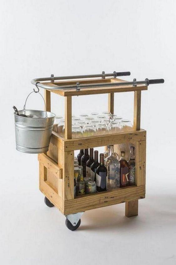 Una buena idea para hacer t mismo un carrito mueble bar for Carritos de madera para jardin