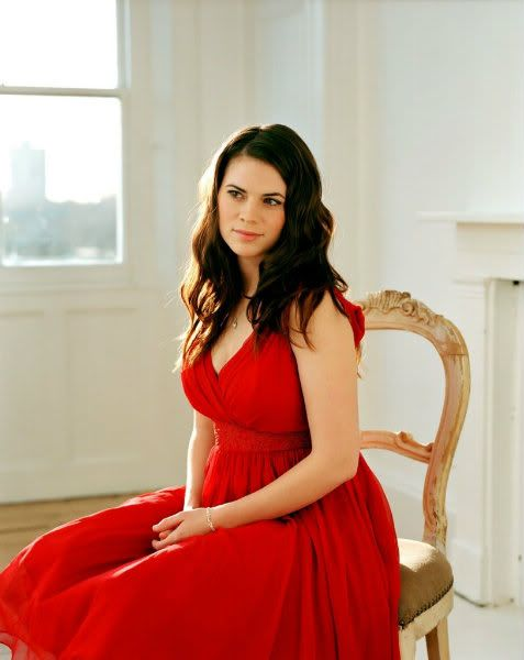 Hayley Atwell - spectacular woman