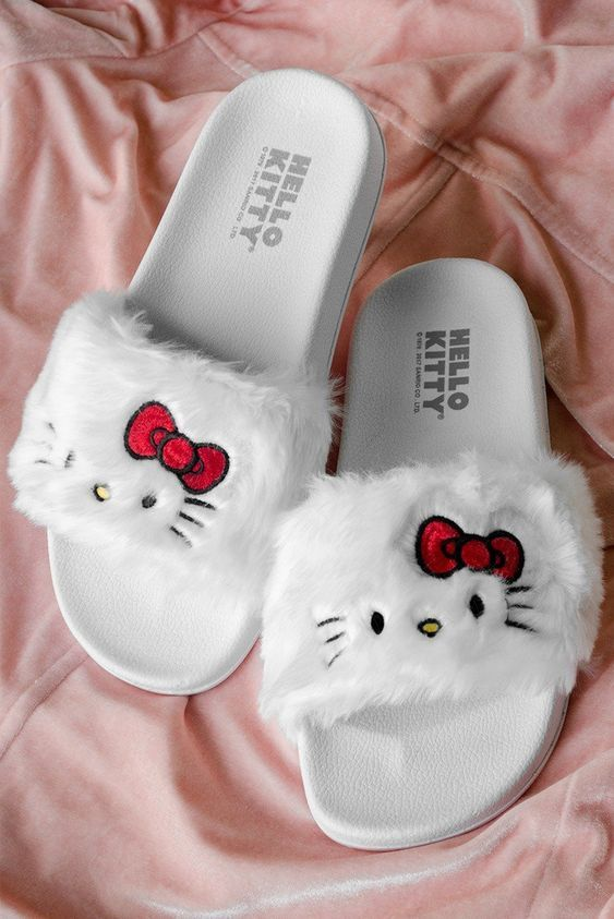 Slippers And Sliders Women S Flat Footwear Just Trendy Girls Hello Kitty Clothes Hello Kitty Shoes Hello Kitty Items