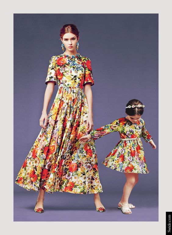 mother-and-daughter-matching-dresses-ideas-from-dolce-and-gabbana-fall-winter-2014-15-bouquet-printmother-and-daughter-matching-dresses-ideas-fall-winter-2014-15-bouquet-print Find More: http://www.imaddictedtoyou.com: