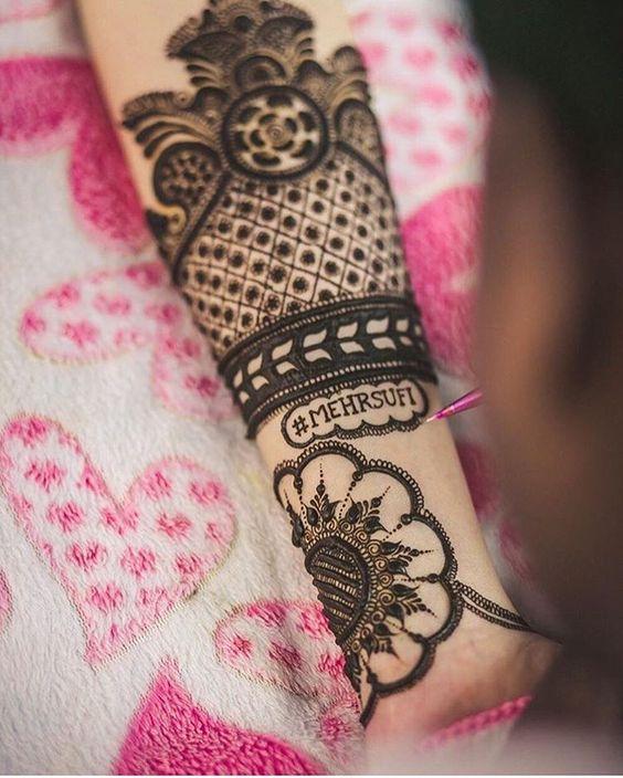 Couple Hashtag on Mehendi Design | Function Mania