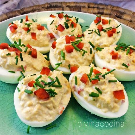 huevos rellenos de ensaladilla de pollo divina cocina
