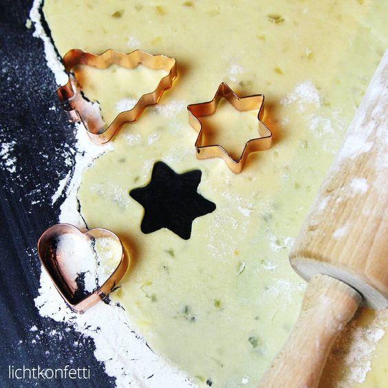 """""""Habt ihr eigentlich schon den neusten Post gesehen? Es gibt ein Rezept für Ingwer-Schokoladen-Plätzchen  > www.lichtkonfetti.de -- #kekse…"""""""