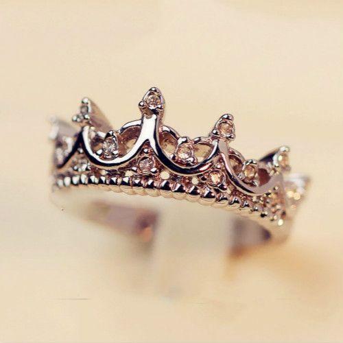 Aliexpress.com: Comprar Reina Corona de Plata Anillos Para Las Mujeres Punk Marca de Moda Joyas De Cristal Amor Femme Bijoux Anillos de boda anillos de compromiso de anillo de descuento fiable proveedores en Metoo520 Jewelry