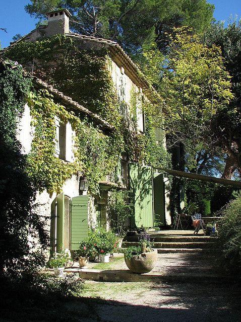 Jardin du Vallon Raget à Saint-Etienne-du-Grès, Bouches-du-Rhône: Saint-Etienne, French Farmhouse, Country House, French Country Home, French House, Garden, Country Cottage