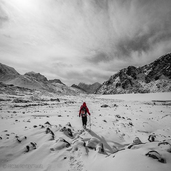 Instagram's royd3n treks through Nepal after a snowstorm.
