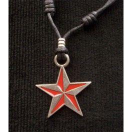 Colgante Estrella Revolucionaria Nautica Bicolor  Colgante metálico estrella náutica en rojo y metal, buen acabado y excelente diseño, muy actual. Medidas:  peso 10g. d