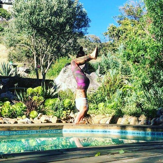 Headstand in Spiritgirl Island Sunset workout leggings. Palm tree print. Outdoor yoga  www.spiritgirl.co.za www.spiritgirlactivewear.com