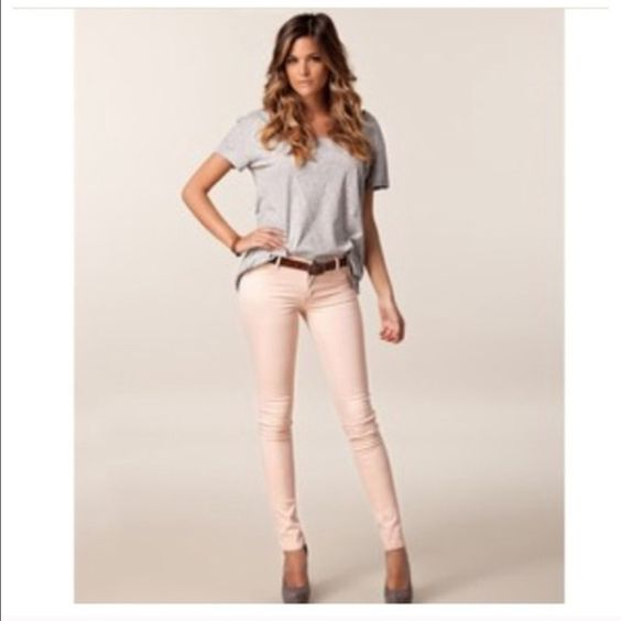 Colored skinny jeans Hot trend alert! Colored skinny jeans knit ONLY SMALL LEFT Jeans Skinny