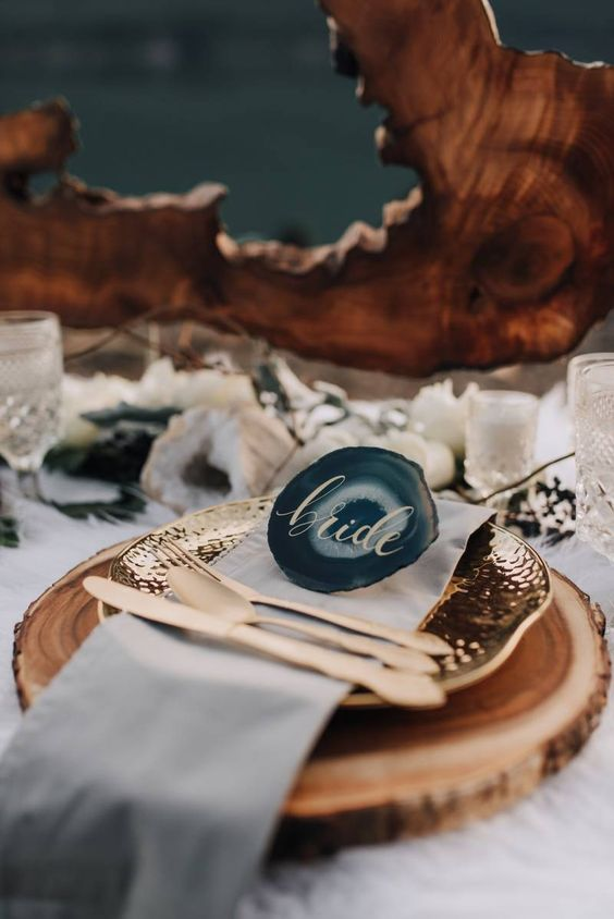 Pacific Northwest Elopement shoot with a boho flair via Magnolia Rouge