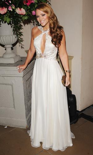 vestido branco longo com decote