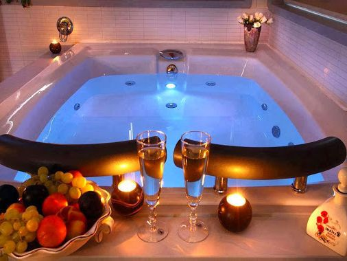 Romantik Banyo Dekorasyon Onerileri With Images Hot Tub Room