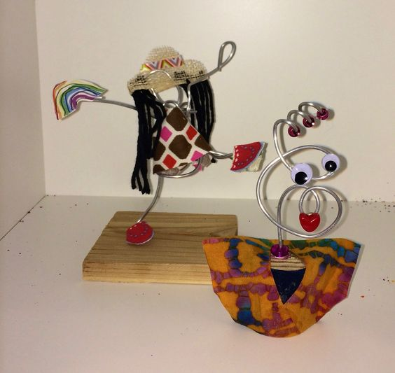 Wire portaits created by Kathleen Thometz of Doodle Art & Design!