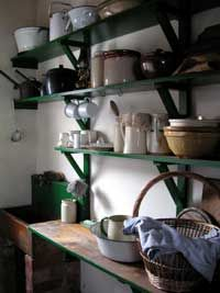 Love the shelves... So simple.      http://www.the-irish-path.com/images/old_irish_kitchen.jpg