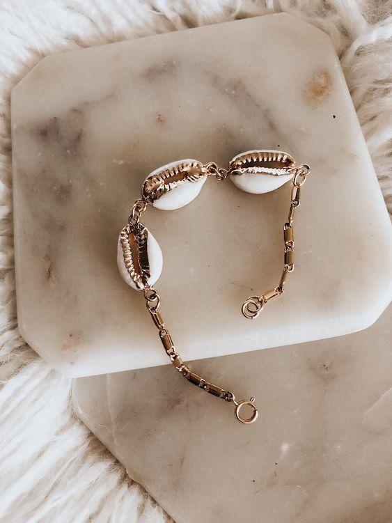 Shell Jewelry  - bracciale in oro con 3 conchiglie bianche