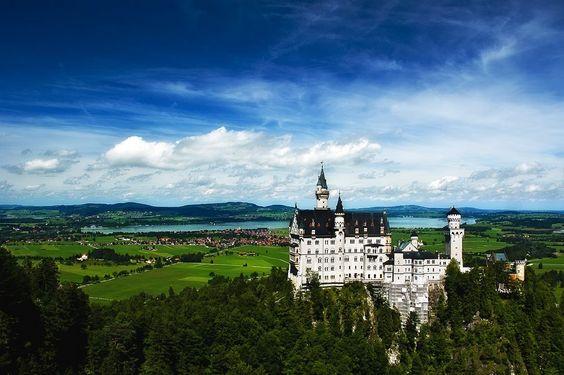 Schloss Neuschwanstein by (Dmitry Yaskin)