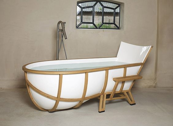 This is the bathtub I have been dreaming up in my mind for years and it actually exists! I need one!