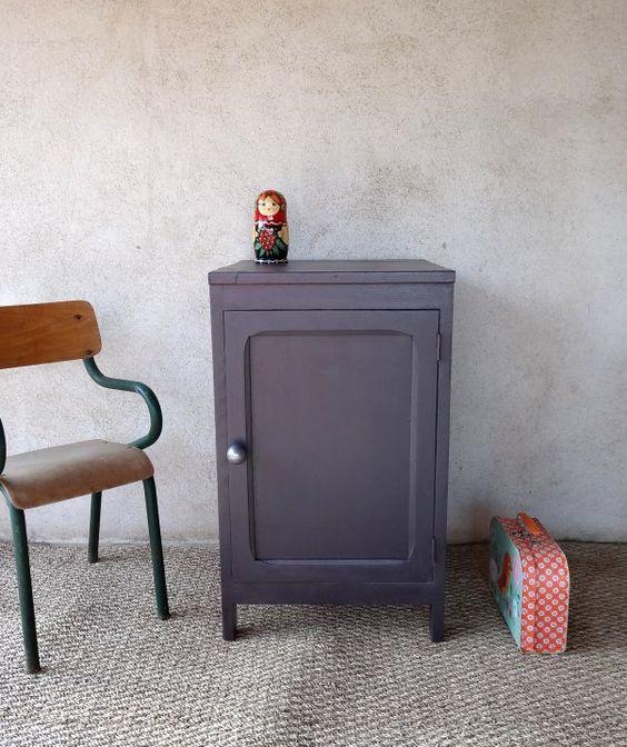 Chevet ou meuble r tro aubergine et gris souris for Cirer un meuble peint