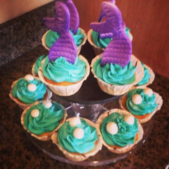 More mermaid & pearl cupcakes for 6th birthday party