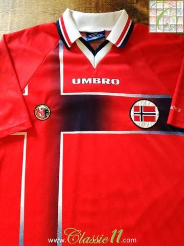 Official Umbro Norway Home Football Shirt From The 1997 98 International Season Classic Football Shirts Football Shirts Shirts